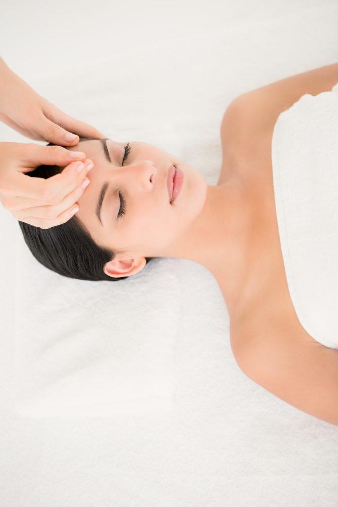 Consultation d'acupuncture à Marseille 9ème 13009 acupuncture visage, yoga et ostéopathie